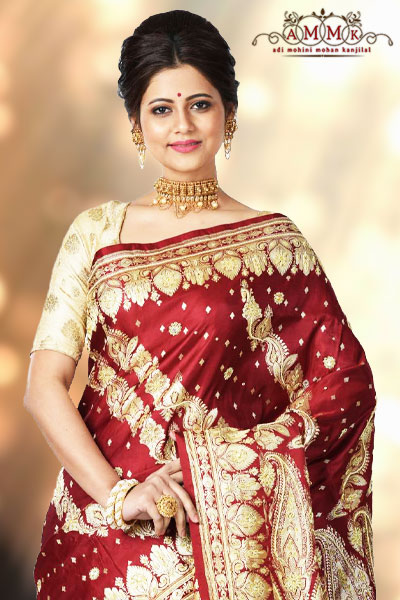 cc474586c4 Banarasi silk sarees are topping the list of bridal sarees and these are  all time classics dominating the fashion world of ceremonial attire.